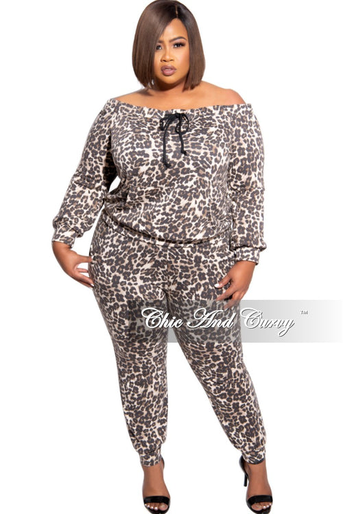 New Plus Size 2-Piece Off the Shoulder Top and Pants Set in Animal Print