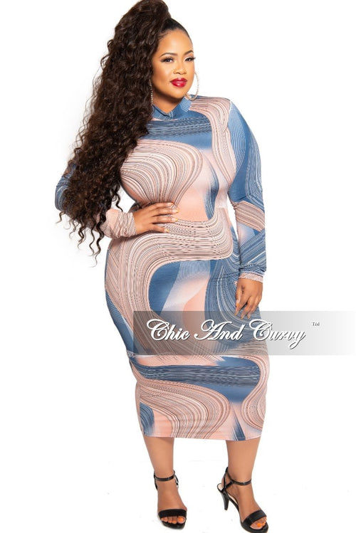 New Plus Size Mock Neck Reversible BodyCon Dress in Rose and Blue Design Print