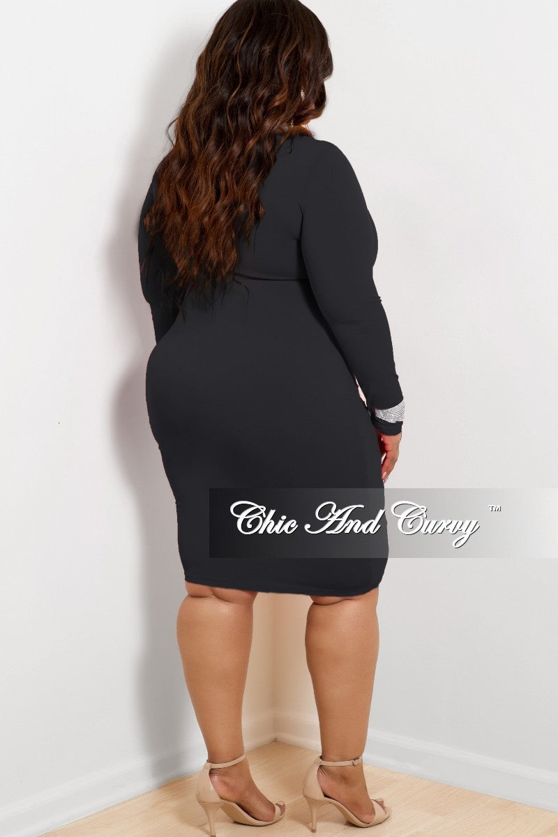 New Plus Size BodyCon Dress with From Cutout in Black
