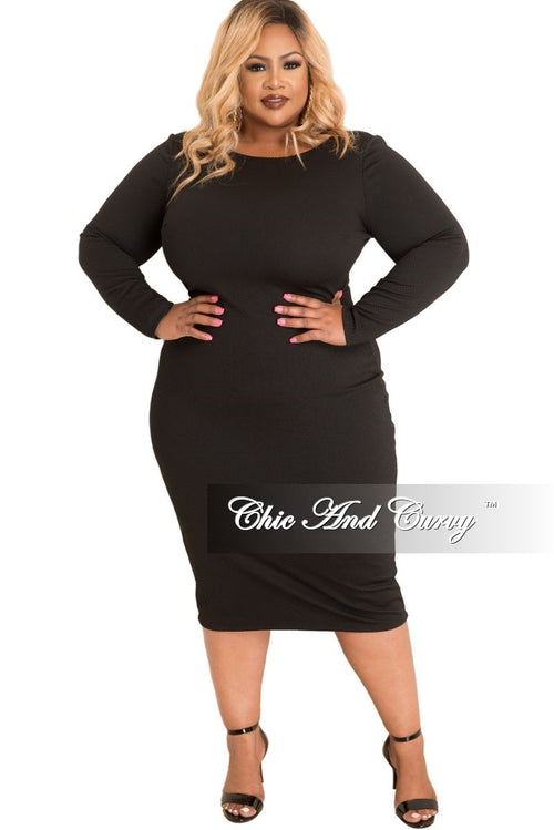 Final Sale Plus Size BodyCon with Long Sleeves in Black Textured Fabric