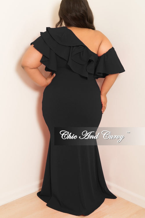 Final Sale Plus Size One Sided Off the Shoulder Ruffle Dress in Black
