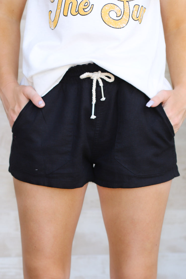 Beach Day linen Shorts: Black - ShopSpoiled