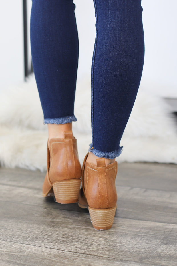 Alexis Booties: Camel - ShopSpoiled