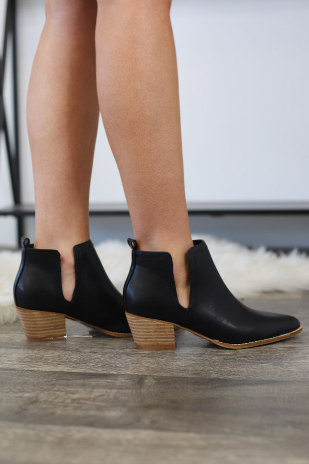 Alexis Booties: Black - ShopSpoiled