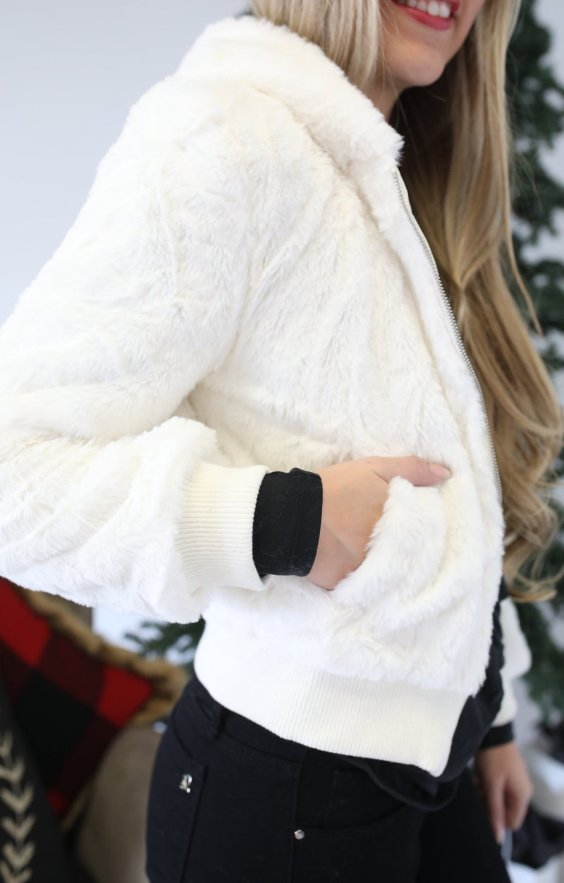 Festive Fur Jacket: Ivory - ShopSpoiled