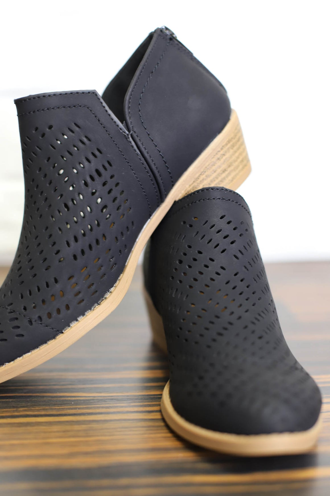 Sochi Bootie : Black - ShopSpoiled