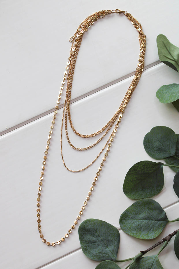 Upscale Layered Necklace: Gold