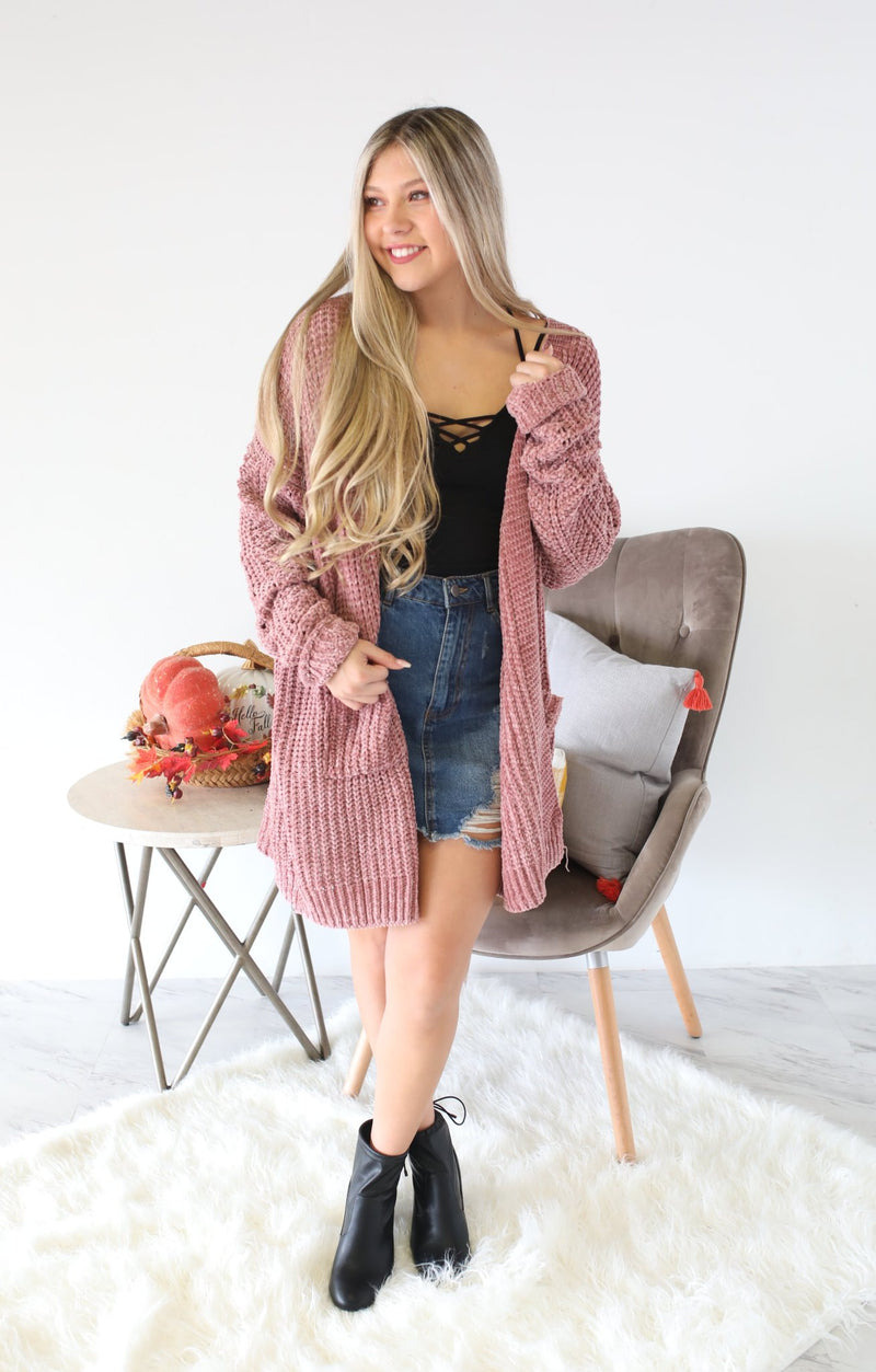 Falling For You Cardigan: Mauve - ShopSpoiled