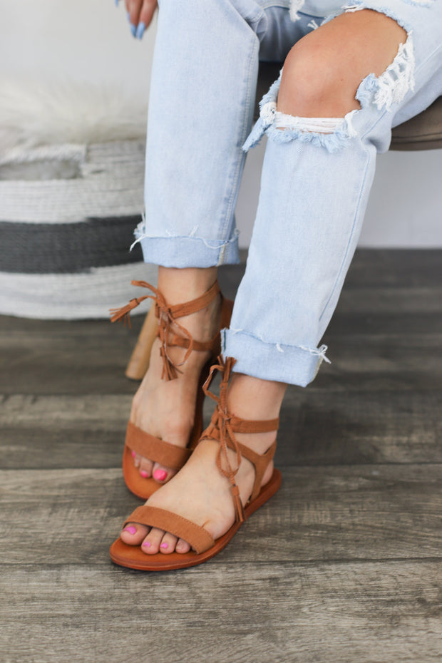 Farah Sandals : Tan - ShopSpoiled