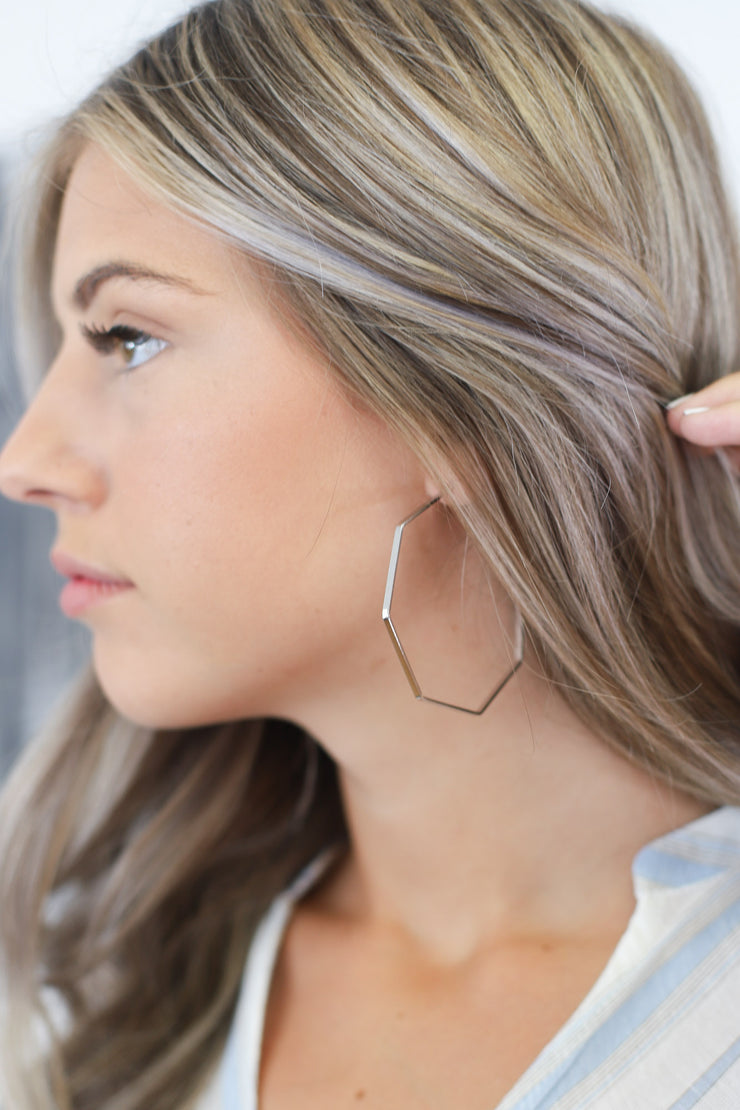 Harlow Hexagon Hoop Earrings: Silver - ShopSpoiled