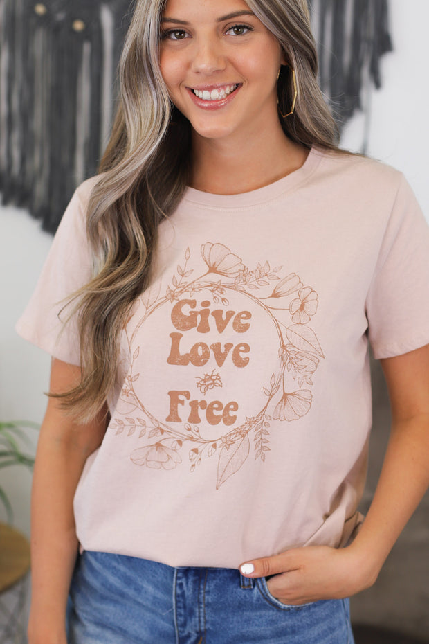 "Give Love ""Bee"" Free Graphic Tee - Shop Spoiled Boutique"