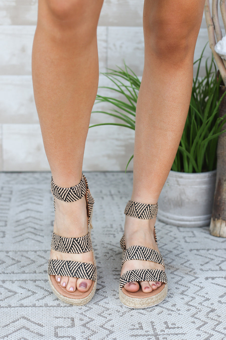 Austin Platform Sandals-Black Chevron - ShopSpoiled