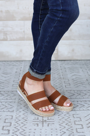 Austin Platform Sandals-Tan - ShopSpoiled