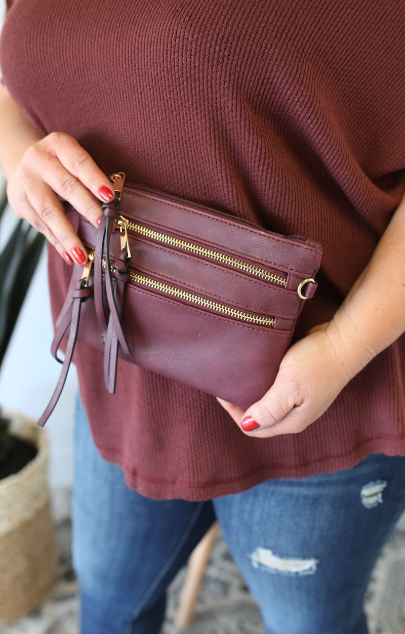 Zippy Clutch: Burgundy - ShopSpoiled