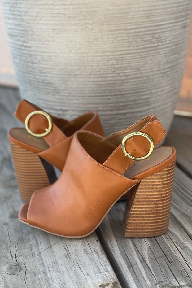 Chandler Open Toe Heel: Camel - ShopSpoiled