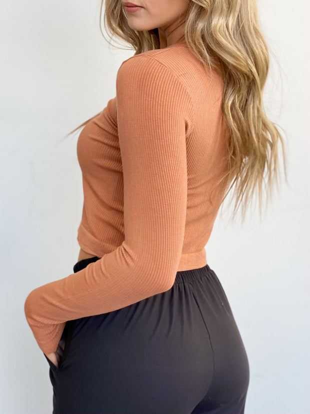 Basic Charley Cropped Longsleeve - ShopSpoiled