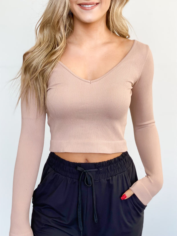Basic Maddy Longsleeve Crop Top - ShopSpoiled