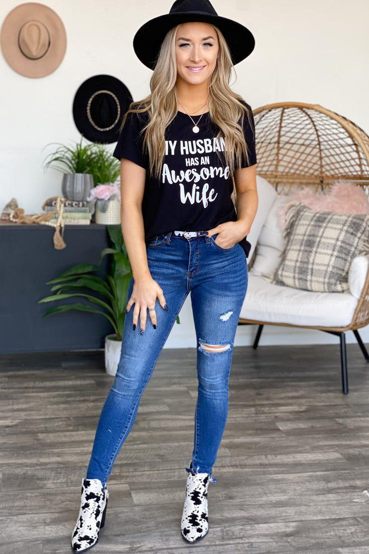Awesome Wife Graphic Tee: Black - ShopSpoiled