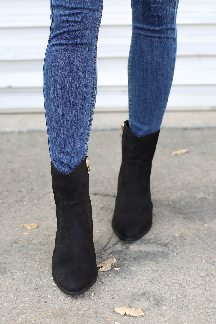 Daisy Booties: Black - ShopSpoiled