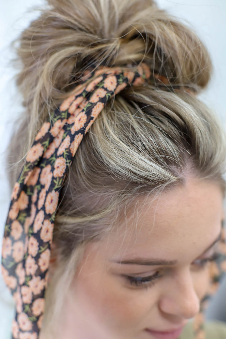 Daisy Hair Scarf: Peach Flower - ShopSpoiled