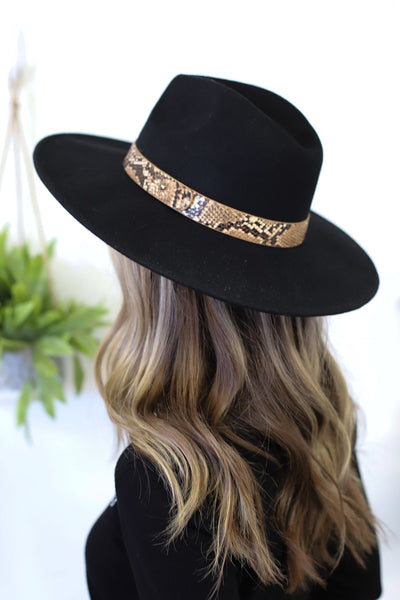 Boho Babe Snake Felt Hat: Black - ShopSpoiled