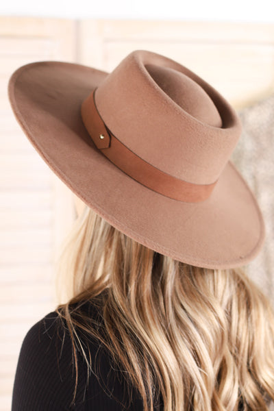 Beverly Hat: Khaki - ShopSpoiled
