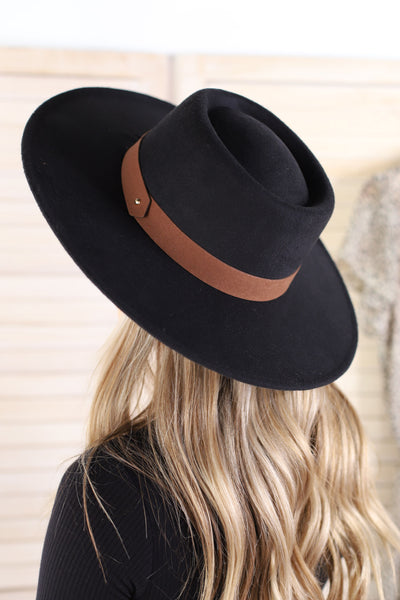 Beverly Hat: Black - ShopSpoiled
