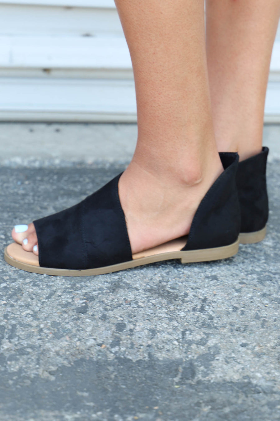 Hippie Open Toe Flat: Black - ShopSpoiled