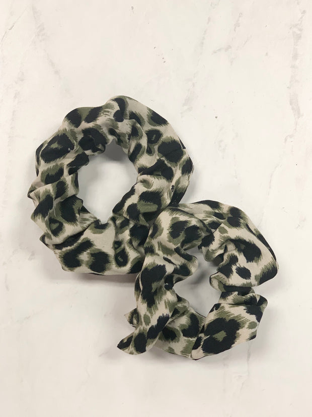 2PC Leopard Scrunchie Set: Olive - ShopSpoiled