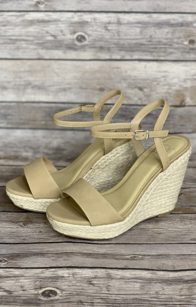 Lead The Way Wedge: Tan - ShopSpoiled