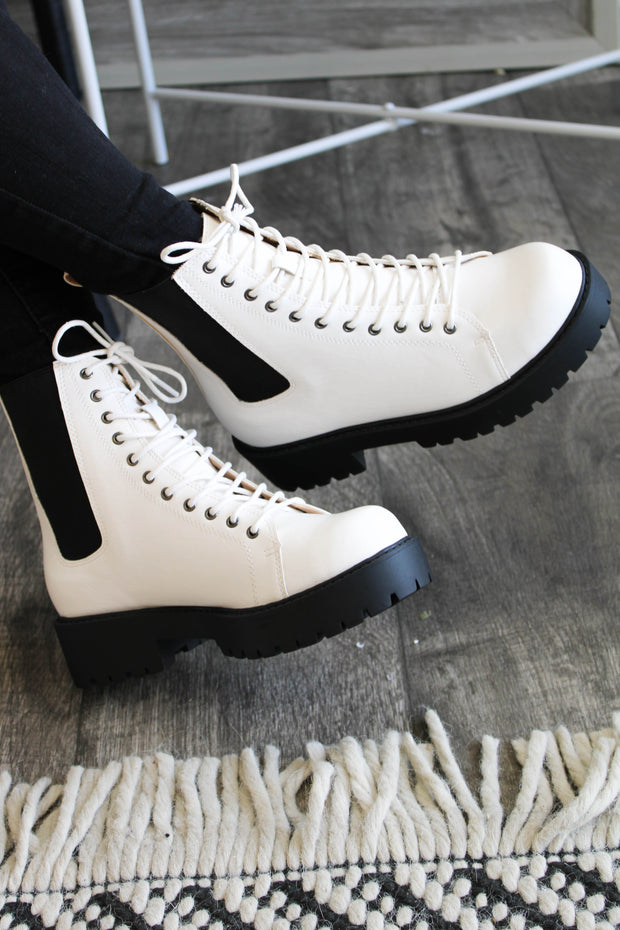 Keep Up Boots: White - ShopSpoiled