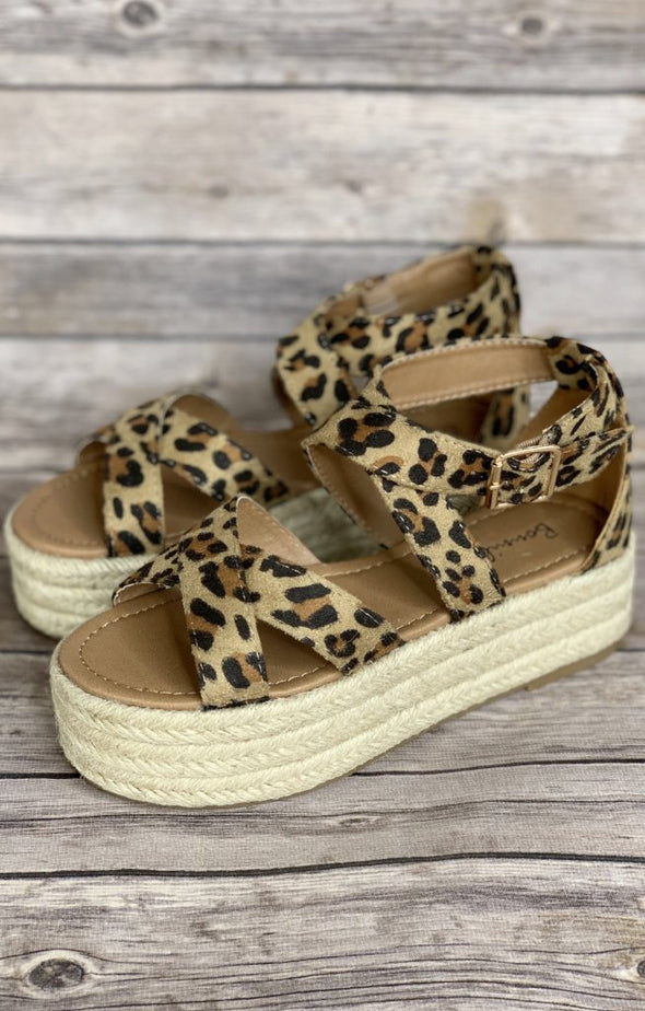 Elevate Sandals: Leopard - ShopSpoiled
