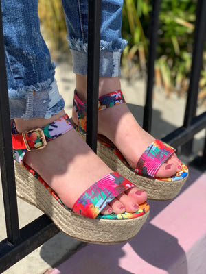 In Motion Wedges: Floral - ShopSpoiled