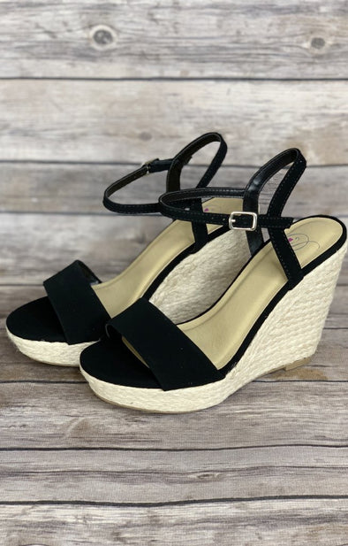 Lead The Way Wedge: Black - ShopSpoiled