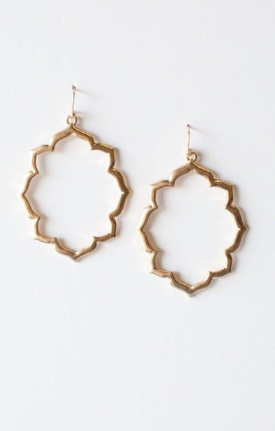 Chic Earrings - ShopSpoiled