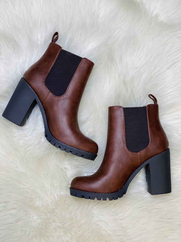 Uptown Boots: Brown - ShopSpoiled