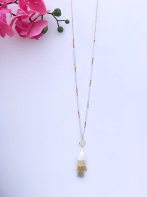 No Hassles Tassel Necklace: White/Tan - ShopSpoiled