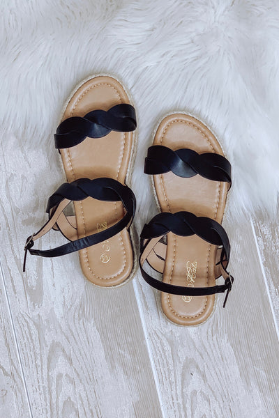 Danniela Platform Sandals: Black - ShopSpoiled
