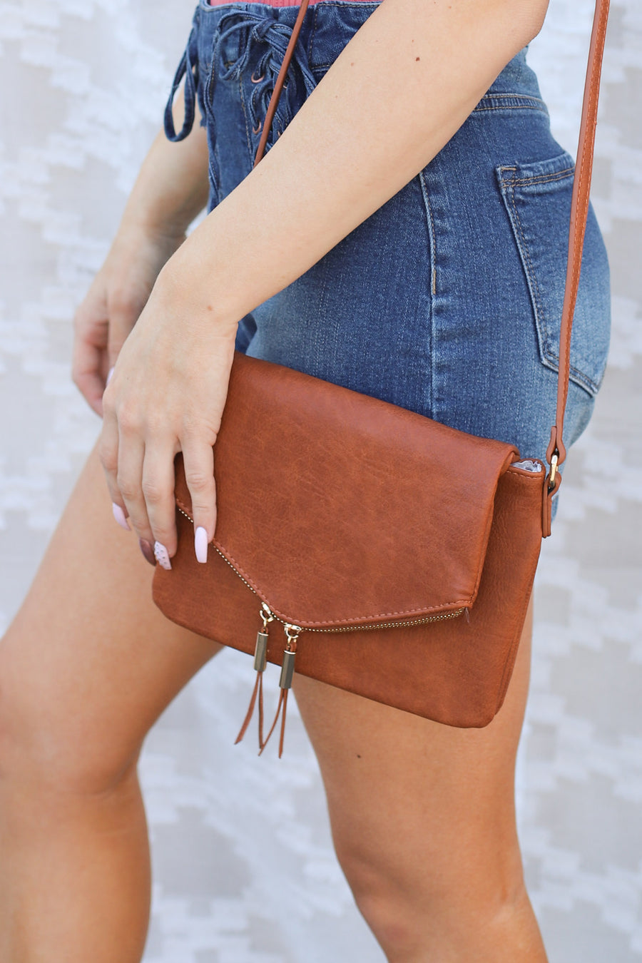 Every Occassion Crossbody: Cognac - ShopSpoiled