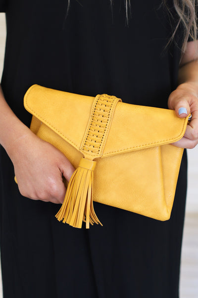 Sidewalk Stunner Clutch: Mustard - ShopSpoiled