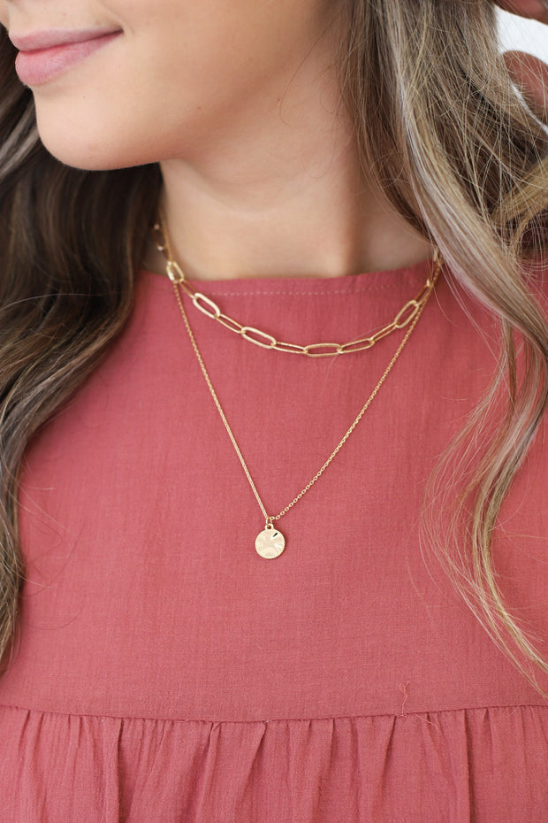 So Much Style Necklace: Gold