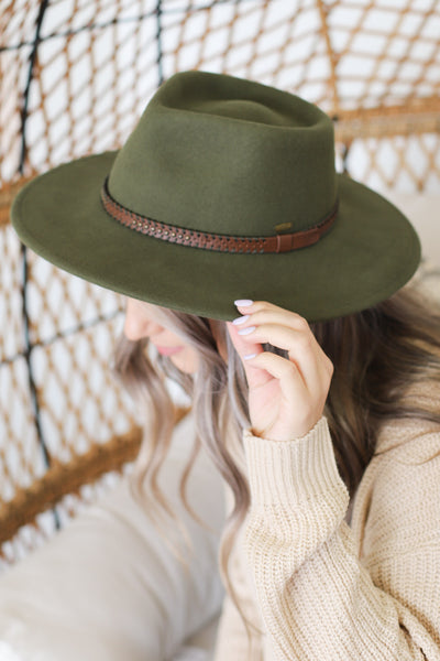 Fall For You Hat: Olive - ShopSpoiled