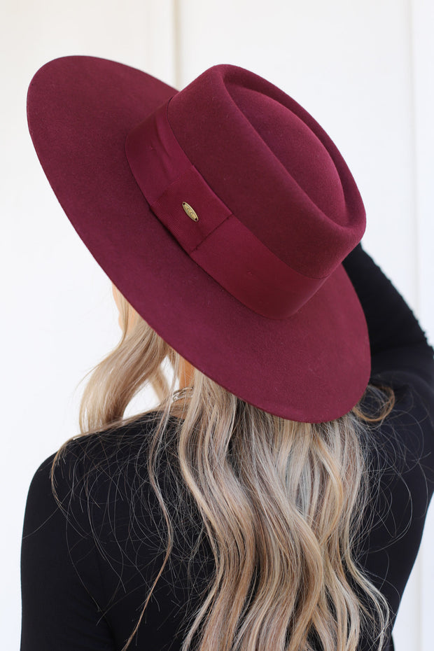 Brunch Date Hat: Berry