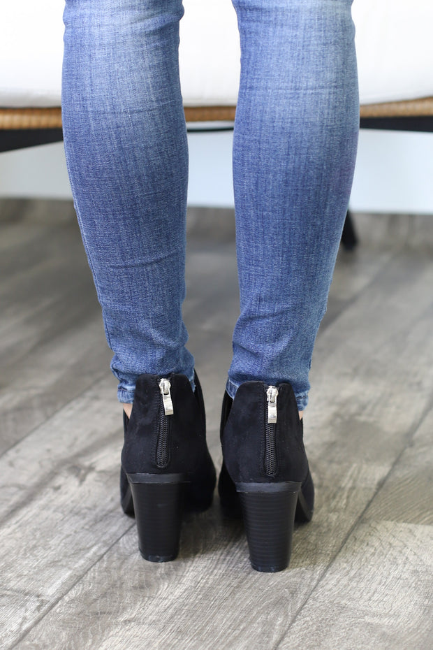 Camryn Booties: Black - ShopSpoiled