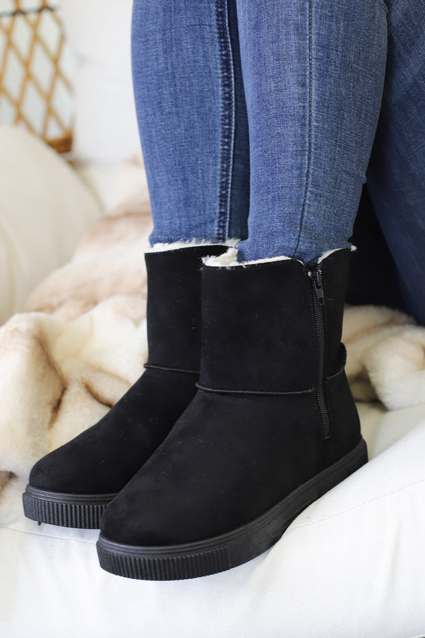 Cozette Ankle Boots: Black - ShopSpoiled