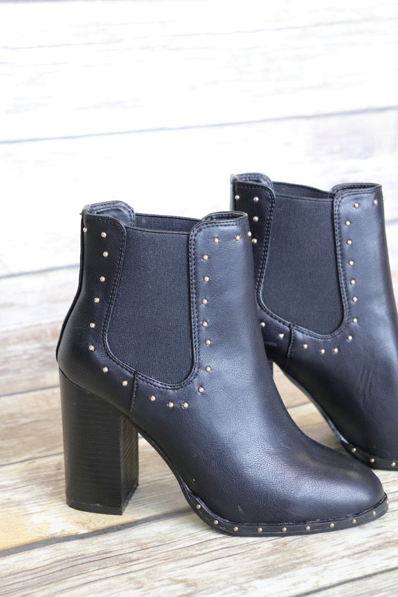 On The Upside Of Things Bootie: Black - ShopSpoiled