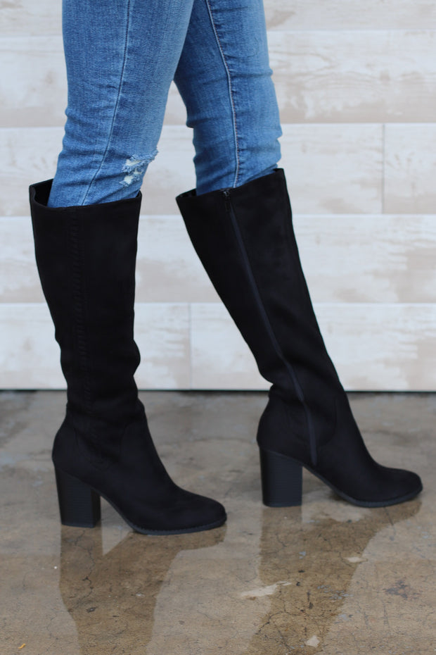 Trinity Boots: Black - ShopSpoiled