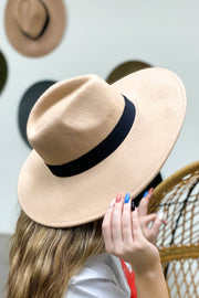 Willow Flat Brim Hat: Neutral - ShopSpoiled