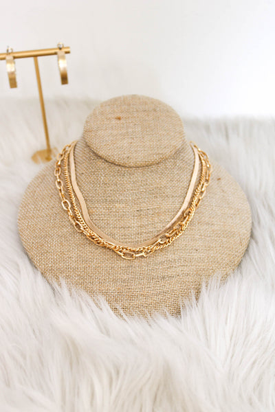 In The Details Necklace: Gold - ShopSpoiled