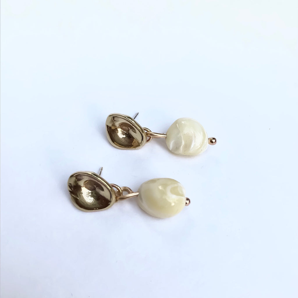 Madre Perla Earrings